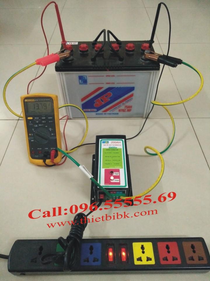 Máy Sạc ắc quy tự động Hitech Power 12V-200Ah sạc ắc quy từ 40Ah đến 200Ah và hơn nữa