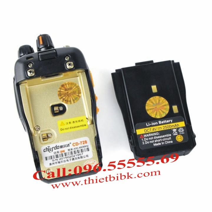 Bộ đàm Chierda CD-728 Waterproof 8Watt sử dụng pin 2500mAh cho thời gian đàm thoại 12 tiếng