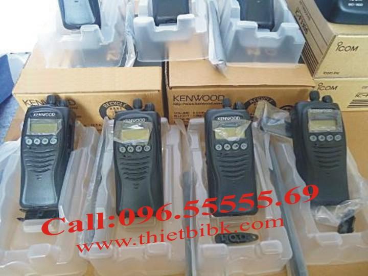 Bộ đàm Kenwood TK-3217 UHF công suất phát 5W, liên lạc tại các tòa nhà cao tầng