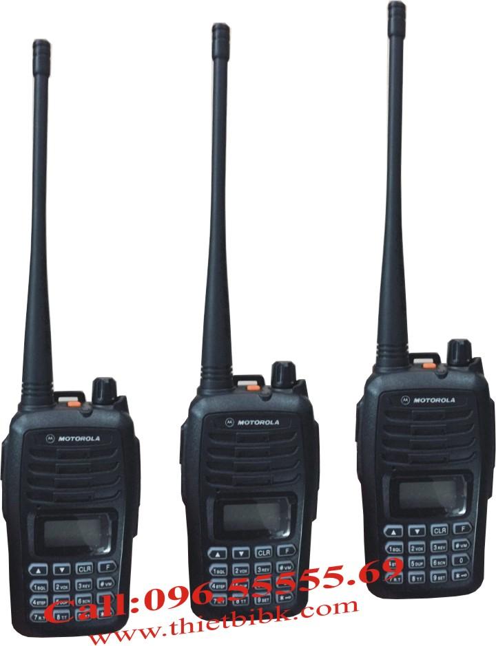 Bộ đàm Motorola SMP-818 UHF 8W 199 kênh