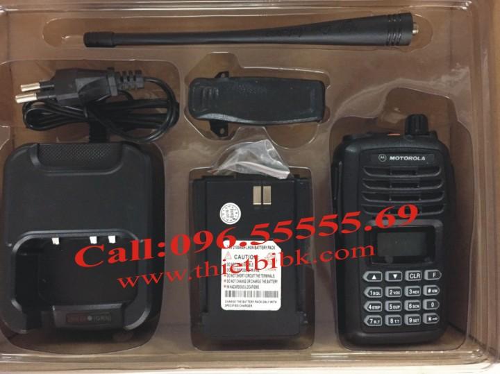 Bộ đàm Motorola SMP-818 UHF 8W fullbox