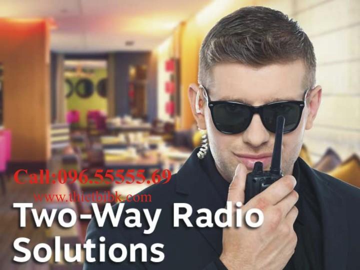 Bộ đàm cầm tay Kenwood TK-3207GS Alarms dùng cho nhà hàng, quán bia