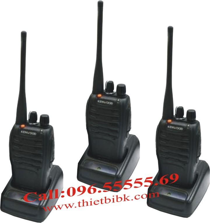 Bộ đàm cầm tay Kenwood TK-980 UHF dùng cho nhà hàng, khách sạn, bảo vệ tòa nhà